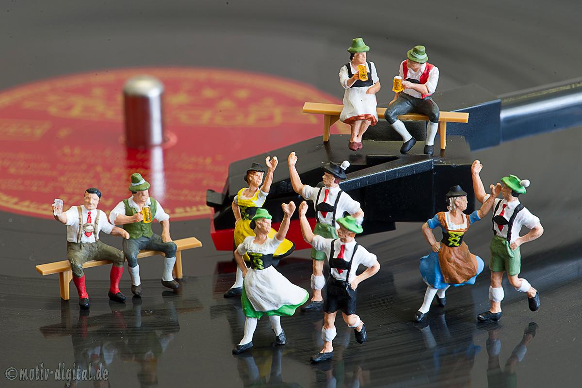 Studiofotografie - Miniaturwelten: Tanz auf der Platte